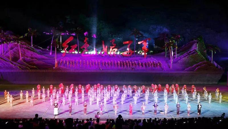 大型实景剧《红色娘子军》震撼公演,献礼党的97周年华诞!