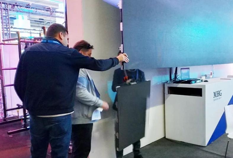W3碳纤维LED显示屏