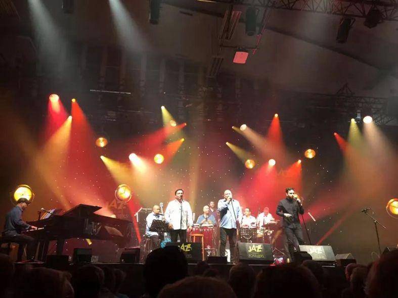 法国第三大爵士音乐节 明和点亮狂欢之夜!