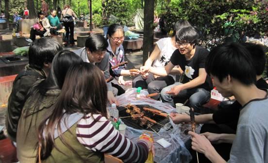 趣味十足的长沙南郊公园烧烤活动