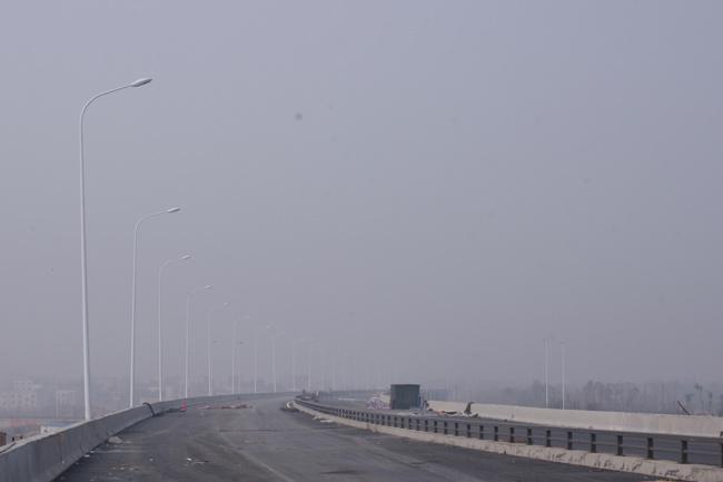 湘府路湘江大桥路灯亮化工程进展顺利